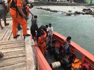 Tim Basarnas berhasil mengevakuasi korban kapal mati mesin