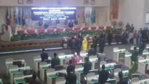 Lima pimpinan DPRD Provinsi Lampung periode 2019-2024 mengucapkan sumpah janji