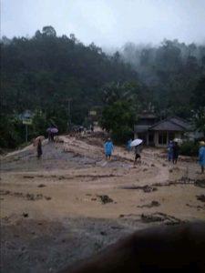 Jalinbar terputus akibat banjir bandang di Pekon Sedayu Tanggamus