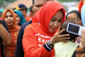 Memperingati Hari jadi Kabupaten Tulang Bawang Ke-23 Bupati Tulang Bawang Winarti Kunjungi Warga Kampung Bujuk Agung Kecamatan Banjar Margo