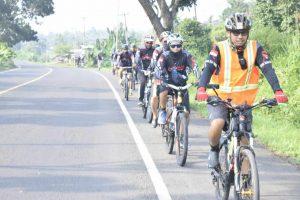 Club sepeda Kota Kalianda Kajawah menggelar gowes Kemuakhian track Kalianda – Bandarlampung